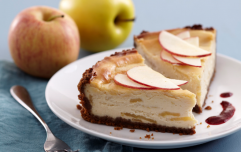 This super sweet apple cheesecake is utterly delicious and it's SO easy to make