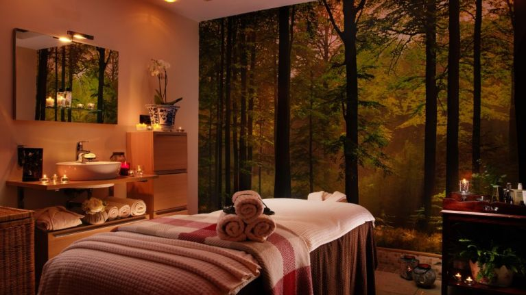 You can now treat yourself to a dreamy sounding pregnancy massage at Dromoland Castle