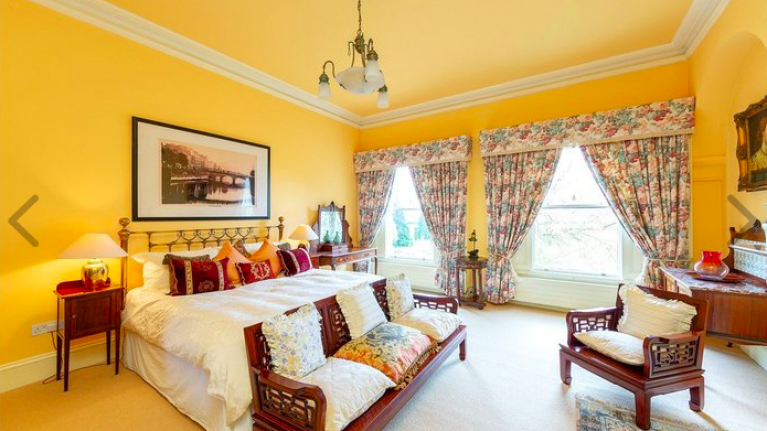 We're eyeing up this €9.9 million Malahide mansion that has just gone on sale