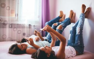 Teens and social media: 5 basic tips on how to keep them safe