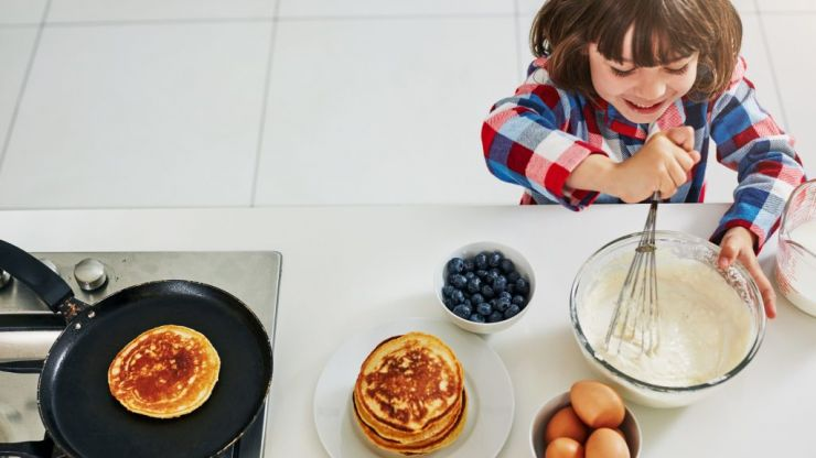 These two ingredient pancakes are so easy to make even the kids can help