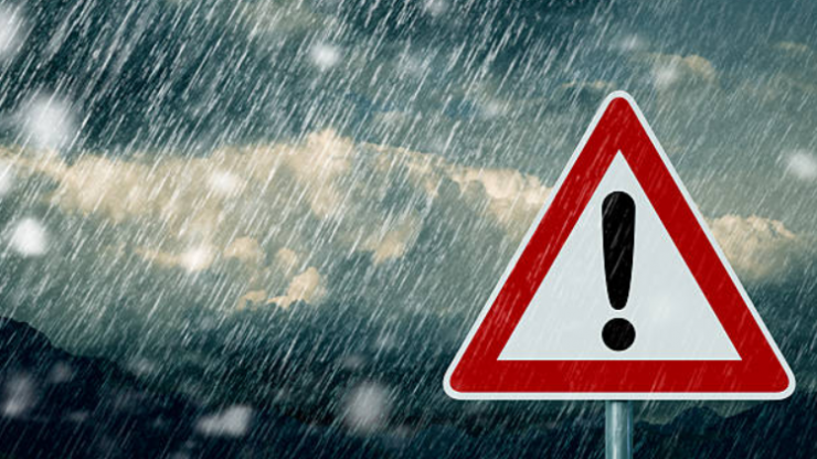 Met Éireann has issued a snow and ice warning for Donegal