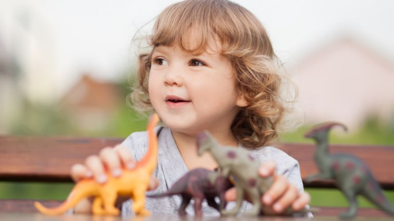 Science proves that children obsessed with dinosaurs turn out highly intelligent
