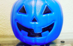 One clever mum's blue trick-or-treat bucket idea is helping children with autism this Halloween