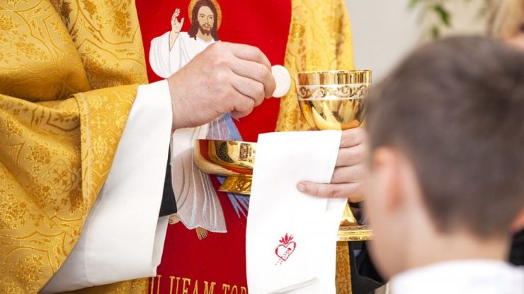 'It's a family event' Dublin Archbishop wants to take communion preparation from schools