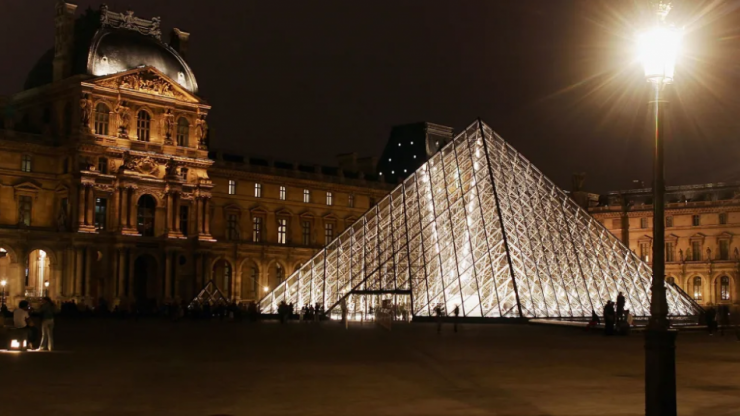 8 world-famous museums you can visit today – from the comfort of your sofa