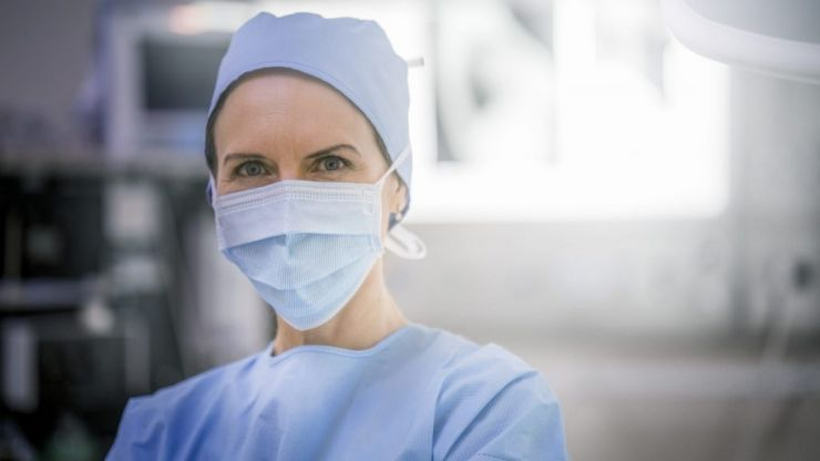 'It's been quite a week' pregnant doctor tweets about working amid COVID-19