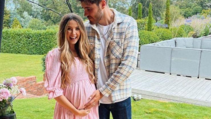 YouTuber Zoe Sugg welcomes baby girl with Alfie Deyes