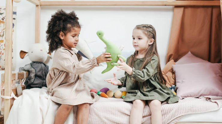 This psychotherapist says we shouldn't be teaching kids to share