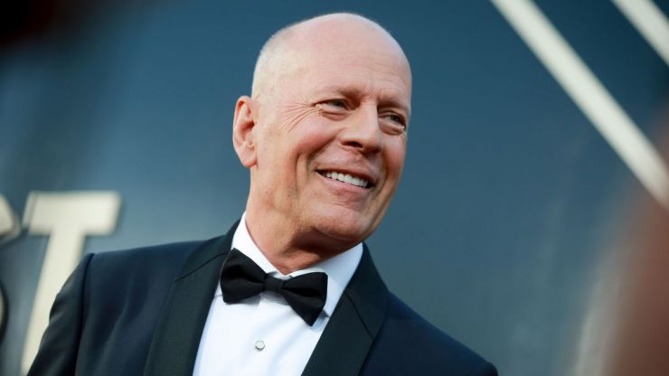 Bruce Willis asked to leave pharmacy for not wearing a face mask