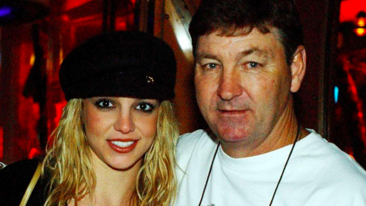 """Jamie Spears' lawyer says #FreeBritney supporters are """"so wrong"""""""
