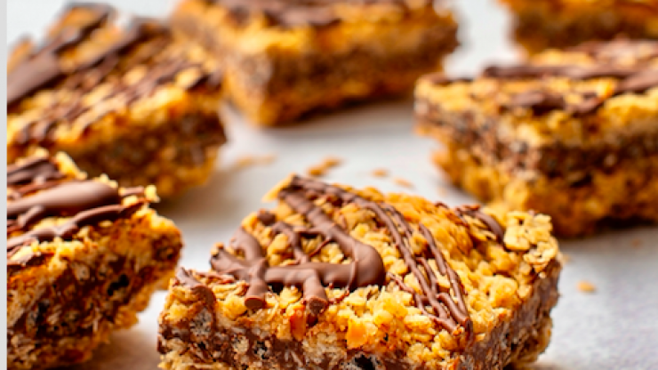 These no-bake crunchy oat bars are the perfect rainy day baking project for kids