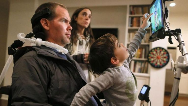 Gleason: the inspiring story of an NFL player's battle with love, family and disease