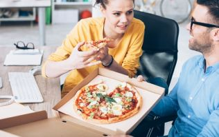 This guy taught his hungry but indecisive girlfriend a lesson when ordering pizza