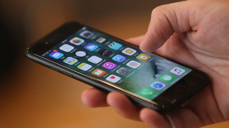 How to charge your iPhone battery in five minutes