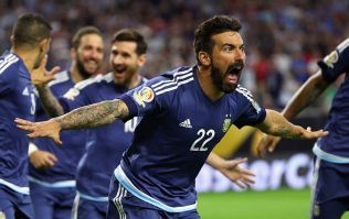 Ezequiel Lavezzi apologises for posing for 'racist' photograph