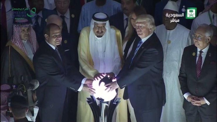 Donald Trump touched a glowing orb like a supervillain, and people are freaking out