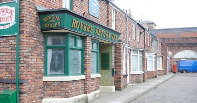 An ex-Coronation Street star is joining the cast of Neighbours