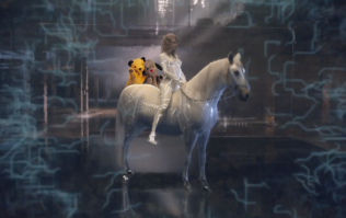 We added Sooty and Sweep to Taylor Swift's new music video because why not?