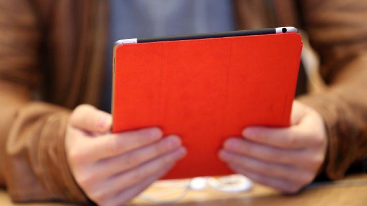 Watch BBC presenter break out an imaginary iPad...