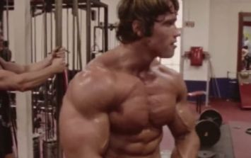 Arnold Schwarzenegger hits the weights with his son on his 22nd birthday (Video)