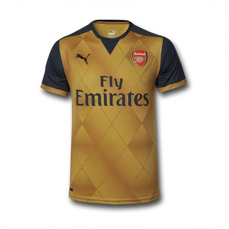 Arsenal Away: A throwback to the 2001/02 SEGA kits - 7/10