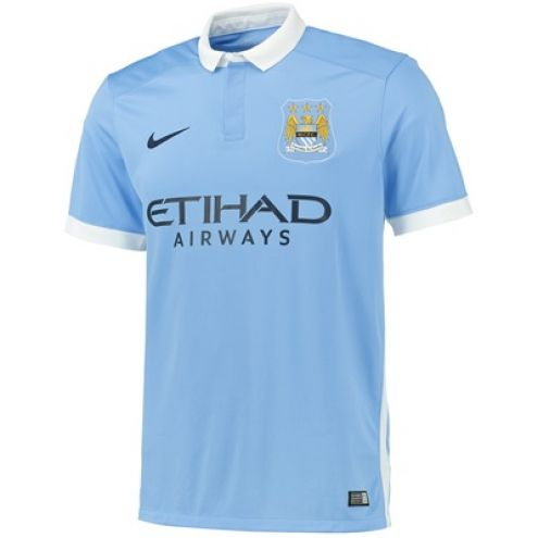Manchester City Home: A classy collar and subtle trim on the sleeves - 8/10