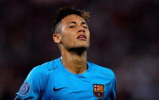 Neymar 'lookalike' fools random passers-by into snogging him (Video)