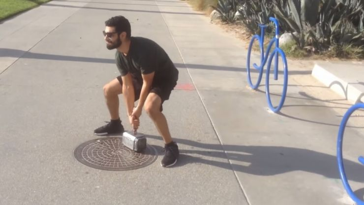 American guy builds real-life Thor's hammer that only he can lift (Video)