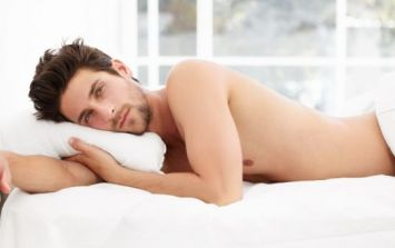 Study reveals a very good reason why men should sleep in the nud...