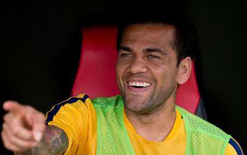 Dani Alves shuts down journalist at Barcelona press conference (Video)