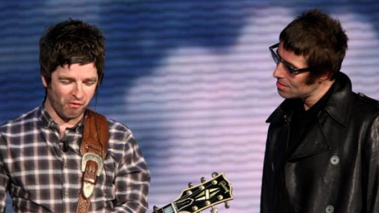 Liam Gallagher Goes Off On One About Brother Noel On Twitter Joecouk