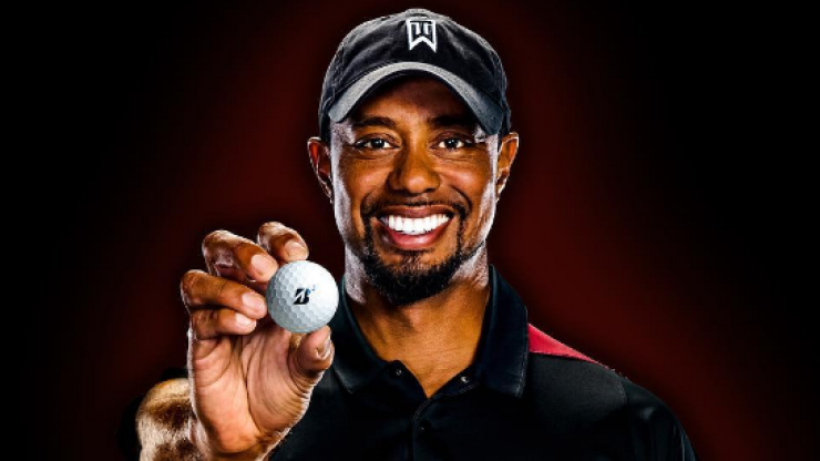 Tiger Woods' naked Santa picture is making the entire internet laugh