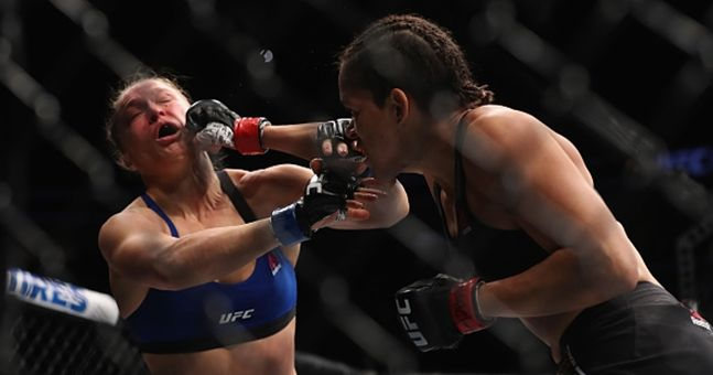 Amanda Nunes trolls Ronda Rousey with her first Instagram post since UFC 207