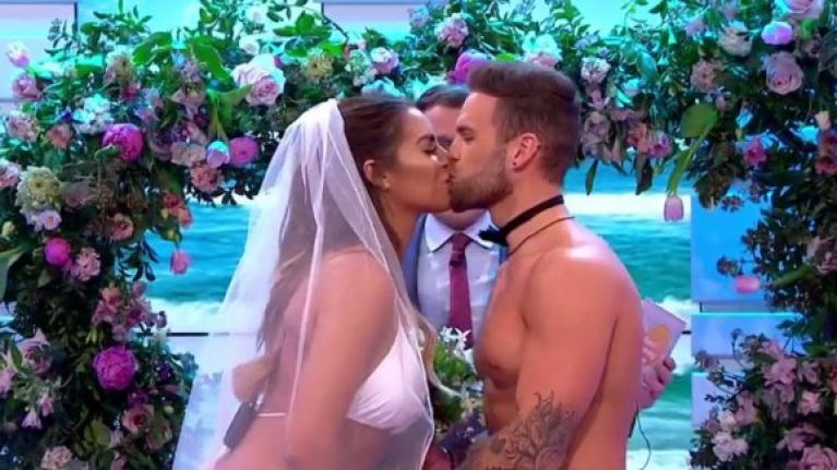 Jess and Dom from Love Island got married live on TV and it's being torn apart on social media