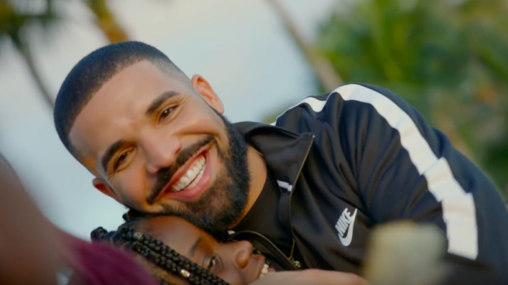 """Drake gives away a million dollars in his latest video for """"God's Plan"""""""