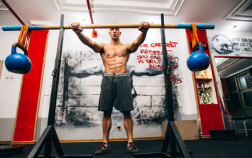 Want to gain significant strength? Train with bands and chains