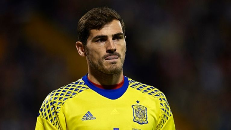 Iker Casillas makes compilation of his worst career errors in support of Loris Karius