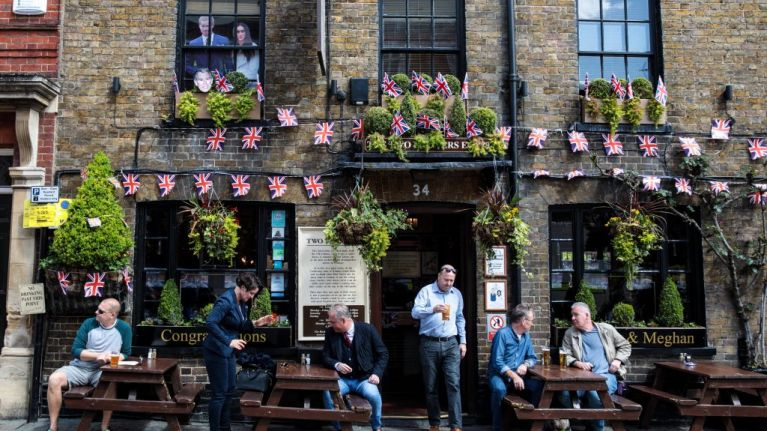 Pubs open from 7am on Saturday for Royal Wedding and FA Cup Final