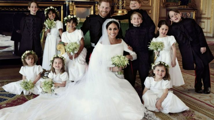 People spot 'irritating' apparent mistake with Harry and Meghan's official wedding photos