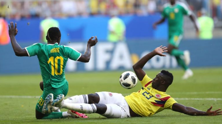 Davinson Sanchez pulls off the tackle of the World Cup to deny Sadio Mane