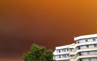 DJ shares remarkable footage of the sky over Albufeira as devastating wildfire spreads