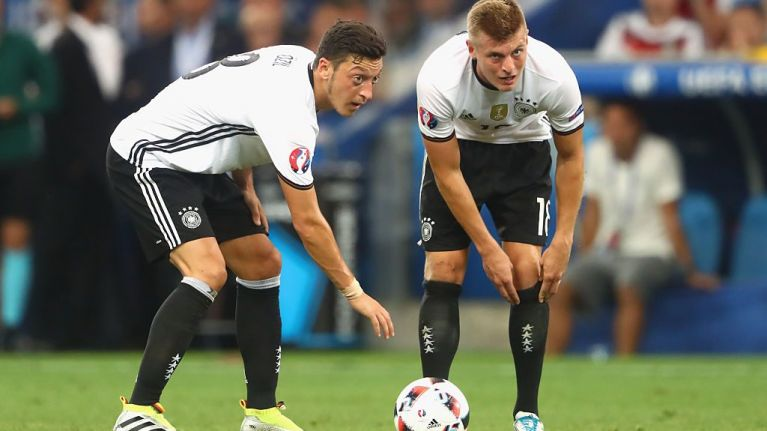 """Toni Kroos calls Mesut Ozil's claims of racism in German camp """"nonsense"""""""