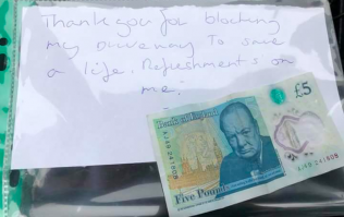 Man tips ambulance a fiver and thanks them for blocking his drive