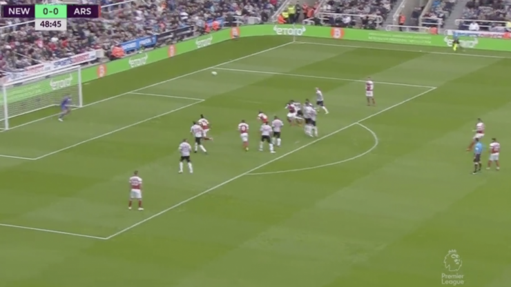 Stunning Granit Xhaka free-kick gives Arsenal the lead at Newcastle