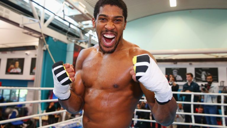 Anthony Joshua raises £10,000 for re-offenders charity
