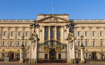 Man arrested at Buckingham Palace on suspicion of carrying a firearm