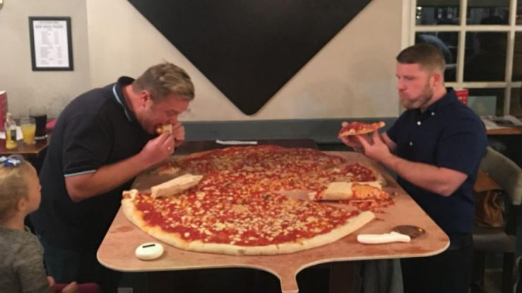 This Pub Is Offering A Ridiculous 40 Inch Pizza Eating