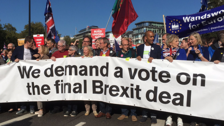 Protesters flood streets of London as over 500,000 call for People's Vote on Brexit