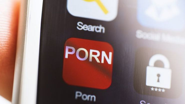 Starbucks to ban customers from watching porn on their WiFi